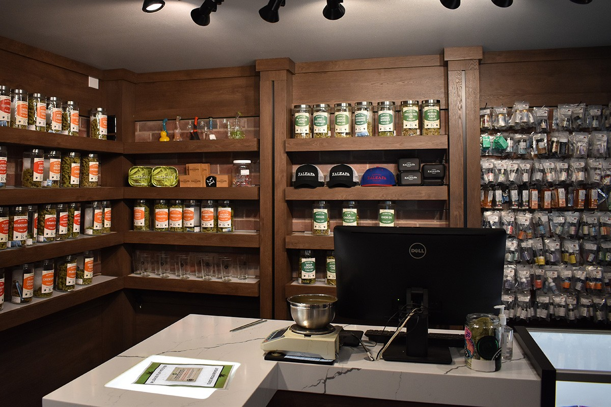 top rated recreational cannabis dispensary near Woodstock in Portland Oregon